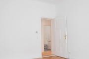 Obj.-Nr. 08180312 - Wohnzimmer zum Flur