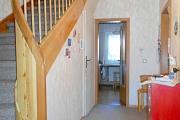Obj.-Nr. 10180306 - Flur EG Treppe