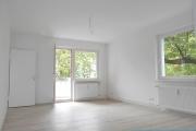 Obj.-Nr. 12180609 - Wohnzimmer seitlich