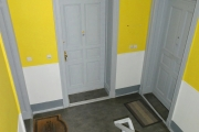 Obj.-Nr. 16180607 - Treppenhaus Wohnungeingang