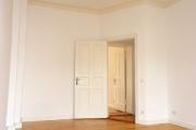 Obj.-Nr. 17180405 - Schlafzimmer zum Flur