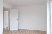 Obj.-Nr. 23180201 - Schlafzimmer zum Flur