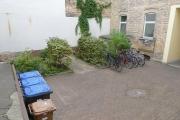 Obj.-Nr. 601801001 - Innenhof mit Fahrradplätzen