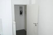Obj.-Nr. 06180610 - Küche zum Flur