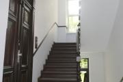 Obj.-Nr. 12180702 - Hauseingangsbereich Treppe