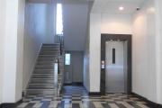 Obj.-Nr. 07180602 - Hauseingangshalle zum Aufzug