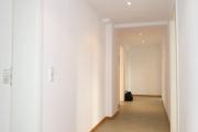 Obj.-Nr. 07190303 - Flur zum Eingang und Büro 5.06-09