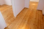 Obj.-Nr. 07190303 - Holzdielen Flur sowie Büro 5.04-05